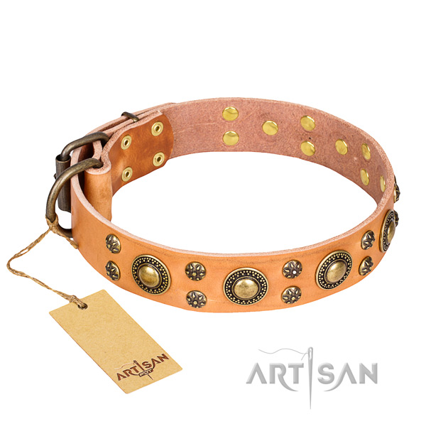 Inimitable full grain leather dog collar for handy use