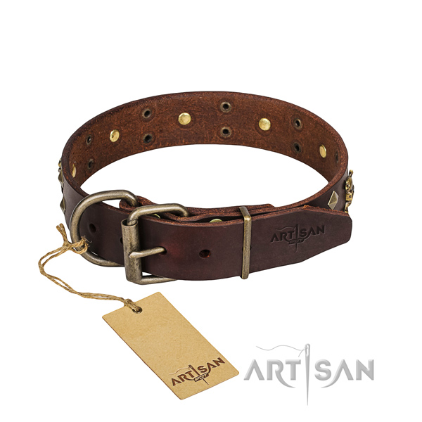 Leather canine collar with smoothed edges for pleasant walking