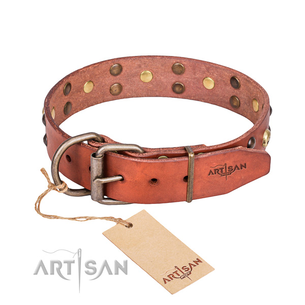 Leather dog collar with smoothed edges for pleasant daily wearing