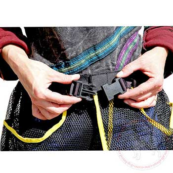Plastic quick release buckle of training skirt pouch